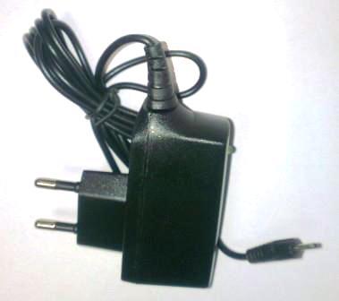 Зарядное устройство 6101 NOKIA 100V/240V